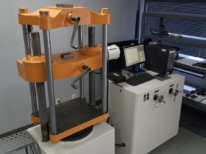 Universal Testing Machine, Mechanical Testing, tension and compression testing, tensile testing, strength testing